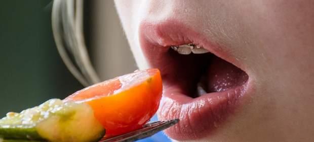 El problema de obesidad en los niños debe ser controlado con la ingesta de verduras en una porcion mayor