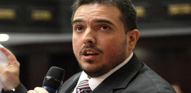 Stalin González asegura que cualquier acuerdo debe exigir elecciones
