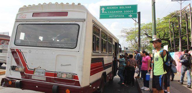 Transportistas de Aragua aumentan a Bs. 1.000 a partir de hoy