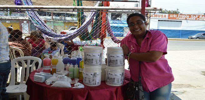 Mujeres emprendedoras realizaron Expo Ferias Productivas  en Linares Alcántara