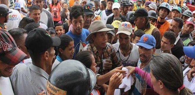 Maduro pide investigar origen de recursos de cuñas de candidatos de oposición
