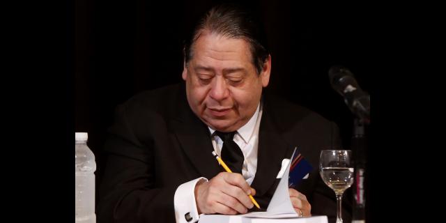 Parlamento bicameral y sanciones contra traición a la patria propone Escarrá para nueva Constitución