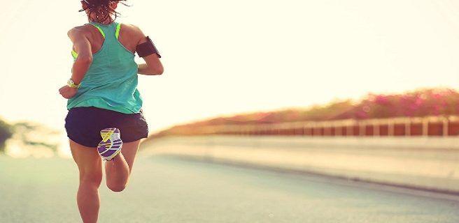Guía para runners principiantes: cómo hidratarse y qué comer antes y después de correr
