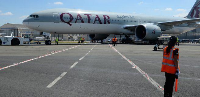 Un avión aterriza de emergencia por escándalo de mujer celosa
