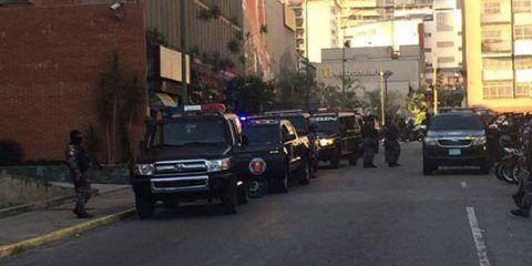 Detienen a 3 funcionarios de la alcaldía de Metropolitana de Caracas tras la fuga de Ledezma