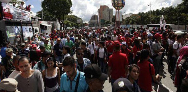 Oficialistas marchan este martes en Caracas