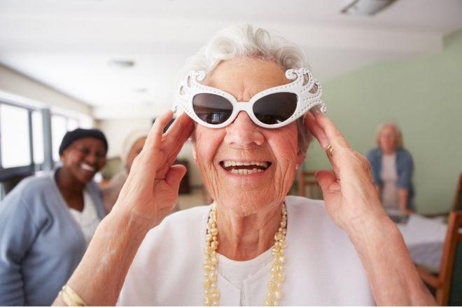 La actitud es envejecer menos y sonreir mas