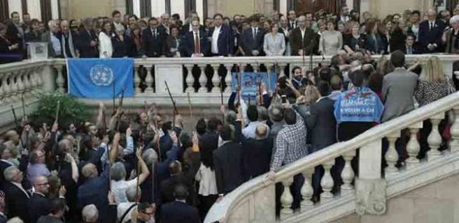 200 alcaldes 'indepes' viajan a Bruselas para apoyar a Puigdemont
