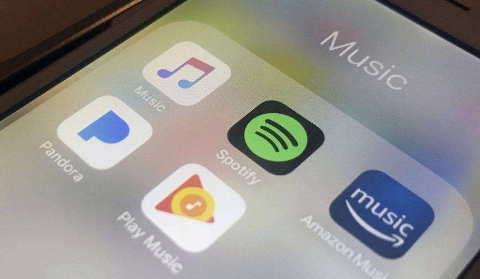 El móvil se ha convertido en una extension de la tecnologia para los jovenes, especialmente españoles