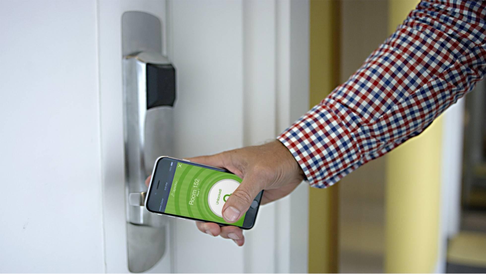 El móvil es una extensión de la oficina y hasta protege tu hogar